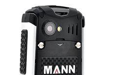MANN ZUG S Rugged Phone - 2 Inch Display, IP67 Waterproof + Dust Proof Rating, Shockproof, 2570mAh Battery by China, http://www.amazon.co.uk/dp/B00KUM4WP2/ref=cm_sw_r_pi_dp_rsIjwb00C1VAV