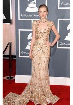 Taylor Swift usando transparência http://vilamulher.terra.com.br/sangue-bom-os-vestidos-transparentes-de-amora-6-1-80-1938.html