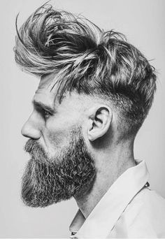 Great Long messy textures with low bald fade and full beard. Amazing haircut by barber Matty Conrad. The post Long messy textures with low bald fade and full beard. Amazing haircut by barber… appeared first on Haircuts . New Mens Haircuts, Haircuts For Balding Men, Cool Hairstyles For Men, Men's Haircuts, Hipster Haircuts, Hair And Beard Styles, Curly Hair Styles, Male Curly Hair, Short Hair With Layers