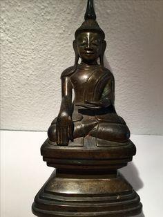 Shan bronze Buddha. 19th cent. Burma.