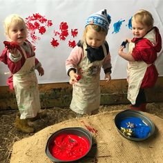 Happy toddlers at the easel today busily printing with Christmas present bows (and hands! ) #artforkids #workshop #printing #toddleractivity #toddlerart #christmascraft #christmas #bows #paint #markmaking