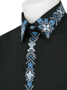 Якісна чоловіча чорна сорочка з блакитною вишуканою вишивкою 1