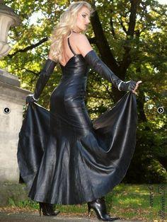 Leather dress www.crazy-outfits.de
