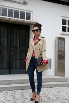 trench coat: Zara (old but similar here/here/here) // shirt: Style Mafia (similar here) // jeans: New Look // earrings: Elizabeth Cole (similar here) // bag: Chanel (similar here) // pumps: Zara (similar here/here/here) // sunglasses: Céline (similar here) // ring: YSL trench coat: Zara (old but similar here/here/here) // shirt: Style Mafia (similar here) // jeans: New Look...
