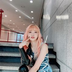 Somebody To You, Cadeau Surprise, Yuehua Entertainment, Olivia Hye, South Korean Girls, Kpop Girls, Anime Girls, Hair Goals, Girl Group