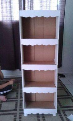 Os pés podem ser feitos com o próprio papelão Diy Cardboard Furniture, Cardboard Storage, Diy Storage Boxes, Cardboard Box Crafts, Cardboard Paper, Diy Furniture, Diy Para A Casa, Diy Casa, Diy Box