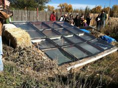 Construction du toit supérieur de la #Serre Souterraine - Top of the roof of the #greenhouse