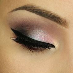Makeup Geek Eyeshadows in Cherry Cola, Confection, Corrupt, and Curfew + Makeup Geek Duochrome Eyeshadows in Rockstar and Blacklight. Look by: AlicjaJ Make Up Makeup Goals, Makeup Inspo, Makeup Inspiration, Makeup Tips, Beauty Makeup, Makeup Ideas, Makeup Primer, Highlighter Makeup, Makeup Palette