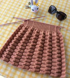 Photo by on April Fotoğraf açıklaması yok. Baby Boy Knitting Patterns, Crochet Baby Dress Pattern, Knitting For Kids, Knitting Designs, Free Knitting, Knitting Projects, Crochet Patterns, Rib Stitch Knitting, Knitting Stiches