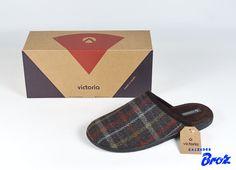 Colección Victoria. Zapatilla de casa descalza. (home).
