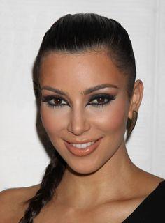 how to get kim kardashians sleek 90s hair