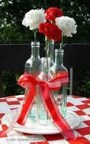 Canada Day Great flower idea for your outdoor picnic Canada Day Party, Canada Celebrations, Bbq Party, Backyard Barbeque Party, Barbeque Wedding, Picnic Decorations, Backyard Picnic, Canada Holiday, Deco Table