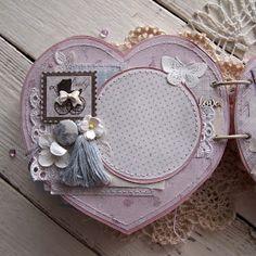 Девочки, привет! Я к вам сегодня с такооой нежностью! Для любимого блога Скрапоголики создался воздушно-зефирный миник для сладкой м...