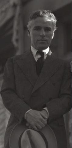 On the set of City Lights, c. 1929