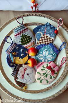 needlepoint mitten ornaments from crooks and nannies