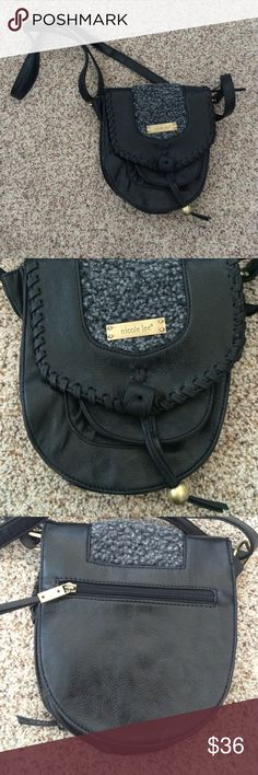 """Black Shoulder Bag Description   •Height: 9""""   •Length: 8""""                                                              (No filters used on my photos, but color may vary slightly)   ❌ No trades/No Paypal/No Holds❌ ✅ Bundle Of 3+ Gets 20% Off ✅ ✅ Ships FAST ✅ Nicole Lee Bags"""