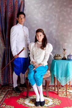 Thai Traditional Dress Traditional Thai Clothing, Traditional Dresses, Thai Brides, Thai Wedding Dress, Thai Fashion, Costumes Around The World, Thai Dress, Wedding Costumes, Thai Style