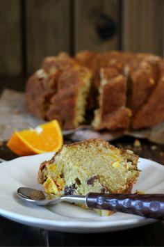 Bundt cake de naranja, pasas y romero. Reto