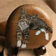Galet peint  布偶石头猫 石头猫 喵星人 手绘石头猫