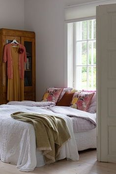 Aurora Design, Cosy Bedroom, Freezing Cold, Bedclothes, New Energy, Early Spring, Beautiful Interiors, Cushion Covers, Decorating Your Home