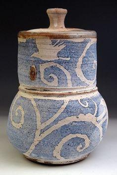 Zygote Blum click the image or link for more info. Ceramic Boxes, Ceramic Jars, Ceramic Decor, Ceramic Design, Ceramic Clay, Ceramic Pottery, Pottery Art, Clay Design, Cool Ideas
