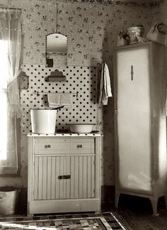 Polka dot 40's kitchen.