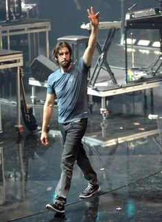 Great pic of Rob Bourdon - Linkin Park