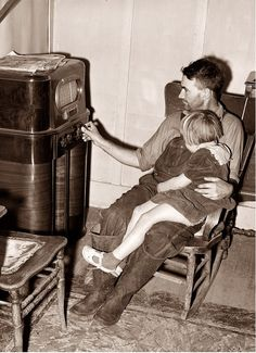 Life before television - Radio 1940  What a pity - We were bound to use our imaginations ---- ! ! ! ! Tsk Tsk