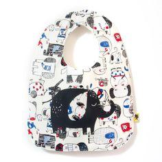 Bavoir bebe original, fait main, illustré d'un joli éléphant sur tissu éléphants bleus, cadeau de naissance idéal, taille 0/24 mois Elephant Bleu, Etsy, Baby Arrival, Baby Burp Rags, Originals, Birth, Pretty, Handmade, Gift
