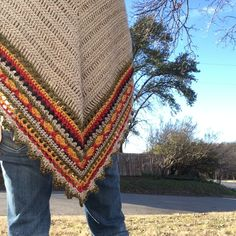 I began following The Little Bee (Alia Bland) from New Zealand on Instagram after seeing so many beautiful renditions of her Sunday Shawl pattern there. One day she offered a discount, so I purchas…