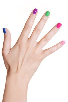 Nail polish - 5 different colors in one hand