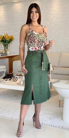 44 Super Ideas Womens Fashion Over 40 Outfits Simple Womens Fashion Casual Summer, Womens Fashion For Work, Women's Fashion Dresses, Casual Dresses, Jeans Fashion, Over 40 Outfits, Fashion Over 40, Skirt Outfits, Casual Chic