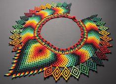 Los esperamos en Expoartesanías 2018 ASOCIACIÓN JAIPONO  Pabellón 3 nivel 2 stand 607  Del 5 al 18 de DICIEMBRE EN @corferias  Bogota-… Diy Jewelry, Beaded Jewelry, Beaded Necklace, Saree Border, Native American Fashion, Beading Tutorials, Seed Beads, Crochet Earrings, Diy Crafts
