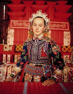 Folk Clothing, Bohemian Blouses, Tribal Dress, Folk Dance, Wedding Costumes, Folk Costume, People Of The World, Festival Wear, World Cultures