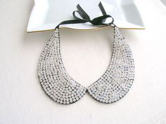 Silver Sequined Collar Necklace Peter Pan Necklace