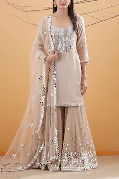 Book ur dress now. Party Wear Indian Dresses, Pakistani Fashion Party Wear, Designer Party Wear Dresses, Pakistani Dresses Casual, Indian Gowns Dresses, Pakistani Wedding Outfits, Dress Indian Style, Kurti Designs Party Wear, Pakistani Dress Design