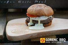 BEEFER GRILL - brie burger