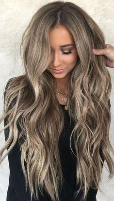 Beige Blonde Hair Color, Honey Blonde Hair, Blonde Hair With Highlights, Blonde On Dark Hair, Light Blonde, Brunette Hair, Costume Noir, Brown Hair Balayage, Honey Balayage