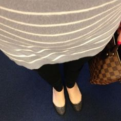 Sparkle and stripes #ootd #outfitoftheday #wiw #currentlywearing #whatimwearing #stevemadden #jcrew #express #louisvuitton #lv #speedy #jcre...