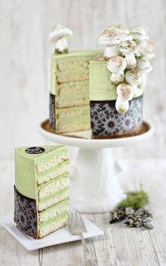 Matcha-Almond Layer Cake with Meringue Mushrooms. #food #cakes #green_tea #spring