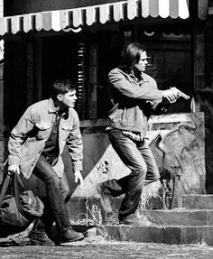 I find this picture interesting in regards to Sam being in front of Dean. This is a rare occurance for Sam to be in front of Dean when going into a dangerous situation. Most of the time if you watch closely, the boys kind of fall into step without even realizing it, with Dean being slightly in front and Sam just behind him.