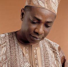 Youssou Ndour - Chanteur sénégalais / Senegalese singer / Chanteur Africain…