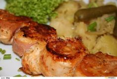 Šneky z kuřecího masa recept - TopRecepty. Czech Recipes, Russian Recipes, Ethnic Recipes, Barbecue Chicken, Tandoori Chicken, Poultry, Shrimp, Grilling, Food And Drink