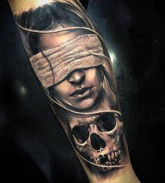 No photo description available. Skull Girl Tattoo, Girl Face Tattoo, Tattoos Skull, Forearm Tattoos, Body Art Tattoos, Girl Tattoos, Tattoos For Guys, Chicano Tattoos, Art Chicano