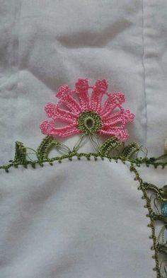 @harikaelisleri68 Crochet Purse Patterns, Crochet Purses, Crochet Curtains, Crochet Borders, Irish Crochet, Crochet Flowers, Tatting, Needlework, Diy And Crafts