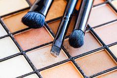 Pinsel Grundausrüstung: Die 8 wichtigsten Makeup Pinsel, Lidschatten, Foundation, Blush, Rouge, Bronzer, Lippen, Augenbrauen, Beauty Blog,…