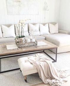 Adorable 90 Cozy Apartment Living Room Decor Ideas https://homearchite.com/2018/02/22/90-cozy-apartment-living-room-decor-ideas/