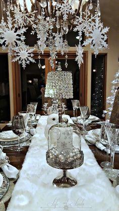 Elegant White Vintage Christmas Decoration Ideas 94