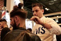 BARBERÍA ELCHE especialistas en esculpido y optimización de barbas... LOS MEJORES PRODUCTOS y LOS MEJORES PROFESIONALES...  Abel Pelukeros Reserva tu cita ☎️966630393 www.abelpelukeros.com -. Nombrado entre los 6 mejores barberos de España 2016 3.0 .-