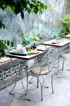 Reaching Out Tea House http://apairandasparediy.com/2015/08/a-quick-guide-to-hoi-an-vietnam.html